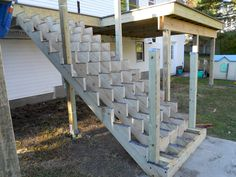 The Tools Needed When Laying Decking Railing Design, Staircase Design, Deck Design, Cool Deck, Diy Deck, Deck Stair Railing, Porch Stairs, Wood Stairs, Deck Framing