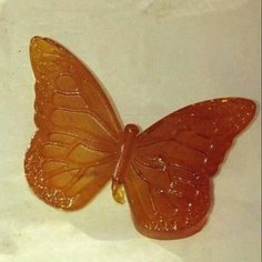 Butterfly shaped dab