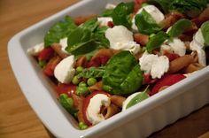 Pasta med Mozzarella og tomater