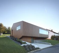 +Energy House: Pollution Free Construction and Quadruple Window Glazing