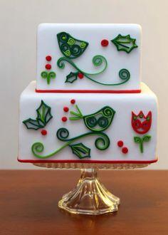Quilled fondant Christmas cake - gorgeous. Too bad fondant isn't yummy.