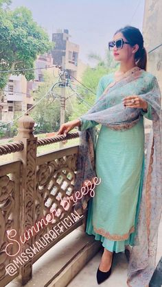 Embroidery Suits Punjabi, Embroidery Suits Design, Designer Party Wear Dresses, Kurti Designs Party Wear, Indian Bridal Outfits, Indian Party Wear, Designer Punjabi Suits, Indian Designer Wear, Dress Indian Style