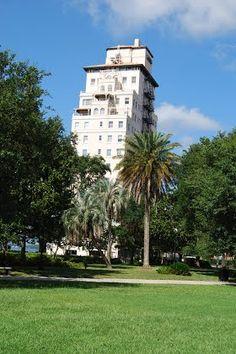 Riverside Avondale Historic District, Jacksonville, Florida Florida Wedding Venues, Jacksonville Florida, Stuff To Do, Night Life, Places Ive Been, Beaches, Past, Street Art, Coastal