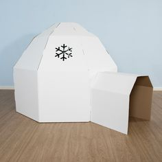 Set the scene for a snowy wintery display or cover in material and use as a cave! Can be painted and decorated as far as your imagination will run.
