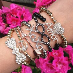 <3<3 love the infinity, xoxo and bow!!