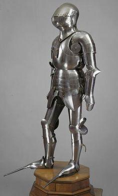 Armadura completa con gran bacinete - Italia - Siglo XV