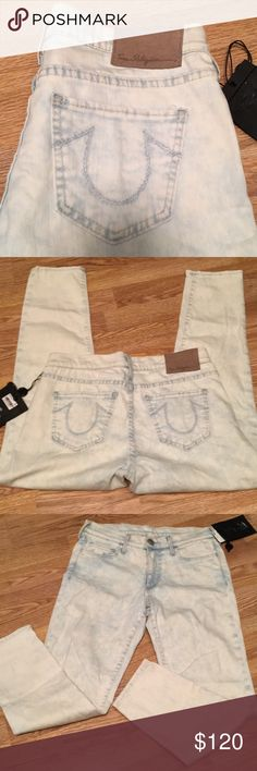"""NWT True Religion Halle cropped jeans NWT True Religion Halle cropped jeans. Inseam 25.5"""". Rise 9"""". True Religion Jeans Ankle & Cropped"""