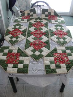 Xmas table runner and placemats