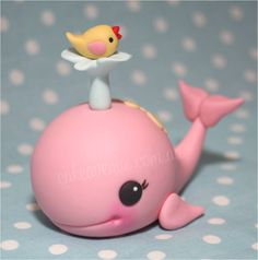 Whale cake topper with little bird by Cake Avenue Sydney.