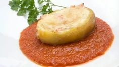 Receta de Patatas rellenas de huevo, pavo y queso #receta #patatas