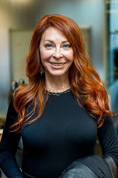 Happy birthday to more widely known as Mistress of the Dark. Before turning to acting, she started out her career as a Las Vegas showgirl. Elvira Makeup, Goth Beauty, Dark Beauty, Brown Blonde Hair, Red Hair, Elvira Movies, Beautiful Celebrities, Beautiful Women, Cassandra Peterson