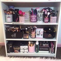 Ideas for makeup vanity organization beauty room heavens Makeup Vanities, Makeup Vanity Tables, Makeup Vanity Decor, Ikea Makeup, Rangement Makeup, Vanity Room, Glam Room, Makeup Rooms, Room Goals