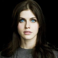 Alexandra Daddario her eyes are beautiful Beautiful Celebrities, Beautiful Actresses, Beautiful Women, Most Beautiful Eyes, Photo Mannequin, Ana Steele, Portraits, Lucille Ball, Pretty Face