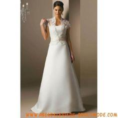 Schöne Brautkleider mit Spitze und Satin