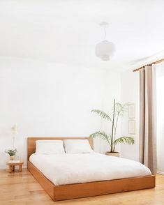 8 Exceptional Clever Hacks: Minimalist Bedroom Grey Wood simple minimalist home architecture.Minimalist Bedroom Tips Life minimalist home office clutter. Minimalist Interior, Minimalist Decor, Modern Interior Design, Minimalist Design, Contemporary Interior, Minimalist Living, Modern Minimalist Bedroom, Minimal Bedroom, Minimalist Kitchen