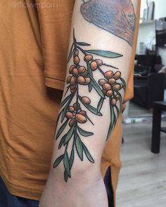 "5,184 Likes, 15 Comments - Olga Nekrasova (@fflowerporn) on Instagram: ""Sea buckthorn for @sk_wwheart #tattoo #tattoos #plants #flowers #botanical #botanicaltattoos…"""