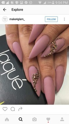 Are you looking for short and long acrylic stiletto matte nail design for winter and spring? See our collection full of short and long acrylic stiletto matte nail design for winter and spring and get inspired! Nude Nails, Matte Nails, Stiletto Nails, Long Acrylic Nails, Long Nails, Gorgeous Nails, Pretty Nails, Claw Nails, Diva Nails