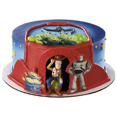 Your cake will create a fun moment of surprise with Toy Story's Woody, Buzz and Aliens DecoSet on the side of the cake.
