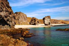 Playa de los Muerots en Carboneras. Es considerada como una de las mejores playas Almeria y de España. Más info: http://lamejorplaya.es/guia/playa-los-muertos/