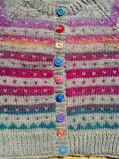 Fabel Delight Jacket by vandagne, her version of DROPS Design pattern a Carnival Star Jacket, a free pattern on Ravelry. Baby Knitting Patterns, Baby Sweater Patterns, Baby Cardigan Knitting Pattern, Knitted Baby Cardigan, Knit Baby Sweaters, Crochet Jacket, Knitting For Kids, Knitting Designs, Knitting Projects