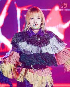 [170222] Gaon Chart Award Lisa new pic cr : Lisa.com . . . #블랙핑크 #블핑 #blackpink #제니 #jennie #김제니 #지수 #김지수 #jisoo #로제 #박채영 #로잔느박 #rosé #리사 #lisa #라리사마노반 #blink #블링크 #yg #ygentertainment #kpop #걸그룹