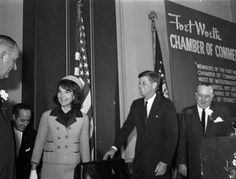 """Jackie Onassis Said JFK """"picked"""" her Pink Suit for Dallas, 4 Years Before She Died Us History, American History, Do I Like Him, Kennedy Assassination, John Fitzgerald, Pink Suit, National Archives, Jackie Kennedy, Famous Men"""