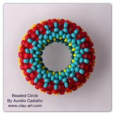 Beaded Circle Beaded Beads, Beaded Rings, Beaded Jewelry, Beaded Bracelets, Jewellery, Beading Projects, Beading Tutorials, Beading Patterns, Bead Crochet Rope