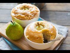 Рецепт Грушевый десерт с орехами и карамельным соусом с фото, как приготовить из сахара, корицы, груш, масла сливочного, орехи, разрыхлитель, муки, сливок, молока, яиц в домашних условиях.