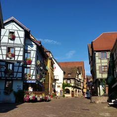 11 mooie dorpjes in de Elzas – valiezen House Colors, Road Trip, France, Vacation, World, Craftsman Houses, Travel Guide, Highlights, Environment