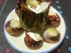 Carxofa i xampinyons farcits de pernil i gratinats amb formatge