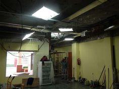 Parte del proceso de reforma Track Lighting, Ceiling Lights, Home Decor, Renovation, Pharmacy, Towers, Interior Design, Home Interiors, Decoration Home