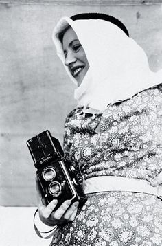 Photographs of Character: Lee Miller & Man Ray Lee Miller, Man Ray, Annie Leibovitz Photos, Brigitte Lacombe, Mary Ellen Mark, High End Fashion, Trendy Fashion, Fashion Models, Cindy Sherman