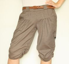Cute bottom bustled cargo style shorts.
