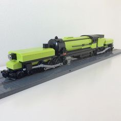my Emerald Night Garratt locomotive, the lime version, designed by SRW Locomotive Works #lego10194 #legoemeraldnight #lego #legotrain #legotrains #garrattlocomotive #garratt