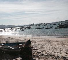 """12 curtidas, 1 comentários - Karine Vicente (@kaaviich) no Instagram: """"Desejando"""" #paisagem #respiro #fotos #praia #beach #desejo"""