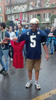 The best Halloween costume I've seen in a long time... #HalloweenIdeas http://halloweencostumeidea.net/the-best-halloween-costume-ive-seen-in-a-long-time