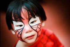 Idea trucco per Halloween! Idee spaventose per bambini! Trucco Spiderman!