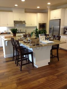 Kitchen Island Ideas - Diy kitchen island ideas will reveal you how you can make an island from scratch or transform your current island. Find the very best layouts for Kitchen Island Makeover, Kitchen Island With Seating, Diy Kitchen Island, Kitchen Redo, Home Decor Kitchen, Home Kitchens, Kitchen Remodel, Kitchen Design, Kitchen Ideas