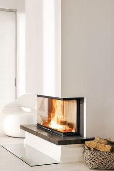 A classic, modern panoramic fireplace. Perfect for those who like fires … – Fireplace Fireplace Fronts, Open Fireplace, Fireplace Wall, Fireplace Design, Classic Fireplace, Home Living Room, Home Accessories, Interior Design, House Styles