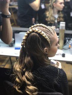 Backstage Haute Coiffure Française 🔝 Eric Zemmour Team 💥 #ericzemmour #paris #HCF #hcf2017 #lorealpro #hautecoiffure #hautecoiffurefrancaise #ericzemmourmenton #ericzemmourmonacoII #follow #ericzemmourmonaco #france #carousel #louvre #hairstylist #sashamonaco #coiffure #hair #hairinspo #hairgoals #tbt #show #fashionhair #style #mode #instahair