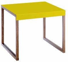 Kilo bord. Fåes i flere farger. Dimensjoner: L42 x H35 x D42 cm. Kr. 310,-