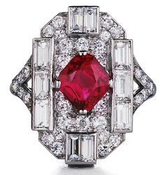 A La Vieille Russie's Art Deco diamond and ruby ring (2)