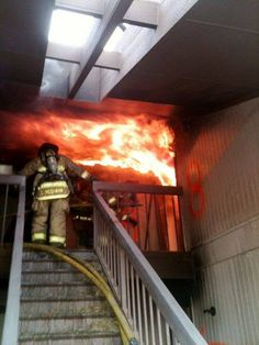 Respect - Imgur  Looks like flashover conditions. The rollover on the ceiling is gnarly.