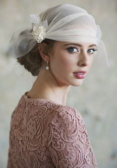 Treasured Traditions Ivory Headwrap from Ruche. A classic jazz-age veil, perfect with the Nadine dress! Bridal Hat, Bridal Headpieces, Fascinators, Turbans, Rose Carpet, Rose Mauve, Art Deco Wedding, 1920s Wedding, Vintage Bridal