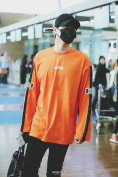 Trend is Idols Fashion Legit Airport Fashion Kpop, Korean Fashion Kpop, Asian Fashion, Youngjae, Got7 Yugyeom, Jaebum, Kpop Outfits, Fashion Outfits, Fashion Ideas
