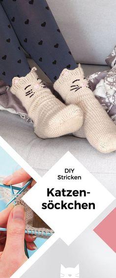 Kuschelige Katzensocken mit Jojo-Ferse stricken Knit cuddly cat socks with a yo-yo heel Baby Knitting Patterns, Crochet Patterns, Diy Scarf, Patterned Socks, Knitting Socks, Knit Socks, Easy Knitting, Crochet Slippers, Knitting For Beginners