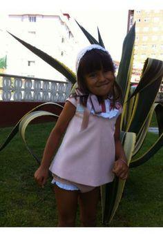 Eva Castro Jesusito Chanel Rosa    http://www.suenodehadas.com/tienda/index.php?route=product/product&manufacturer_id=17&product_id=268