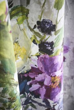 Designers Guild Aubriet amethyst fabric To order from Dible & Roy Floral Bedroom, Floral Curtains, Floral Fabric, Trendy Wallpaper, Fabric Wallpaper, Bedroom Wallpaper, Designers Guild, Fabric Design, Pattern Design