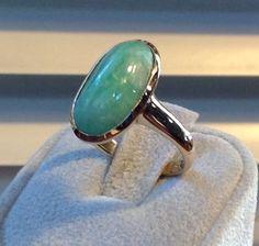 I love jade jewelery.