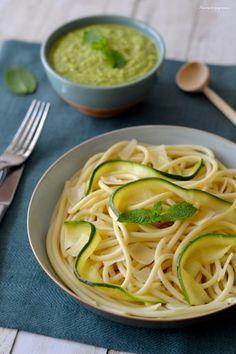 Bucatini (pâtes) au pesto de courgettes, menthe & citron - Pasta with courgettes pesto, mint & lemon !